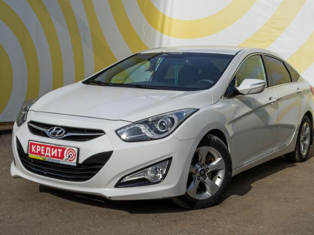 Купить б/у Hyundai i40, 2013 год, 150 л.с. в России