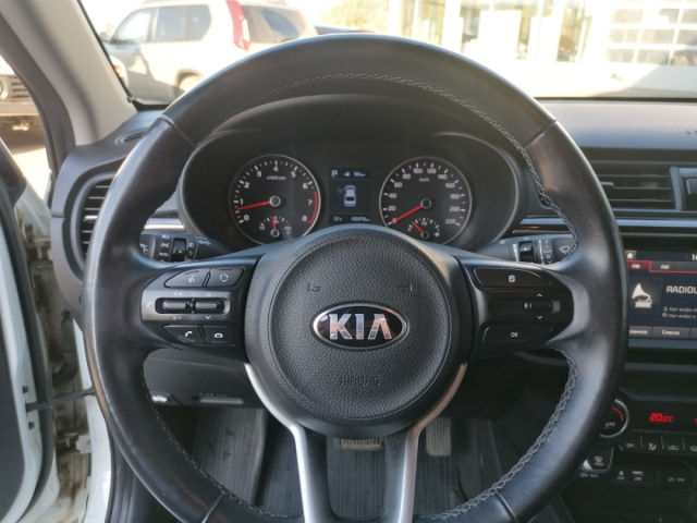 Купить б/у Kia Rio, 2017 год, 123 л.с. в Саратове