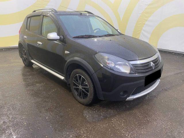 Купить б/у Renault Sandero Stepway, 2012 год, 84 л.с. в России